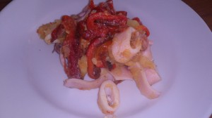 insalata di calamari con patate e peperoni